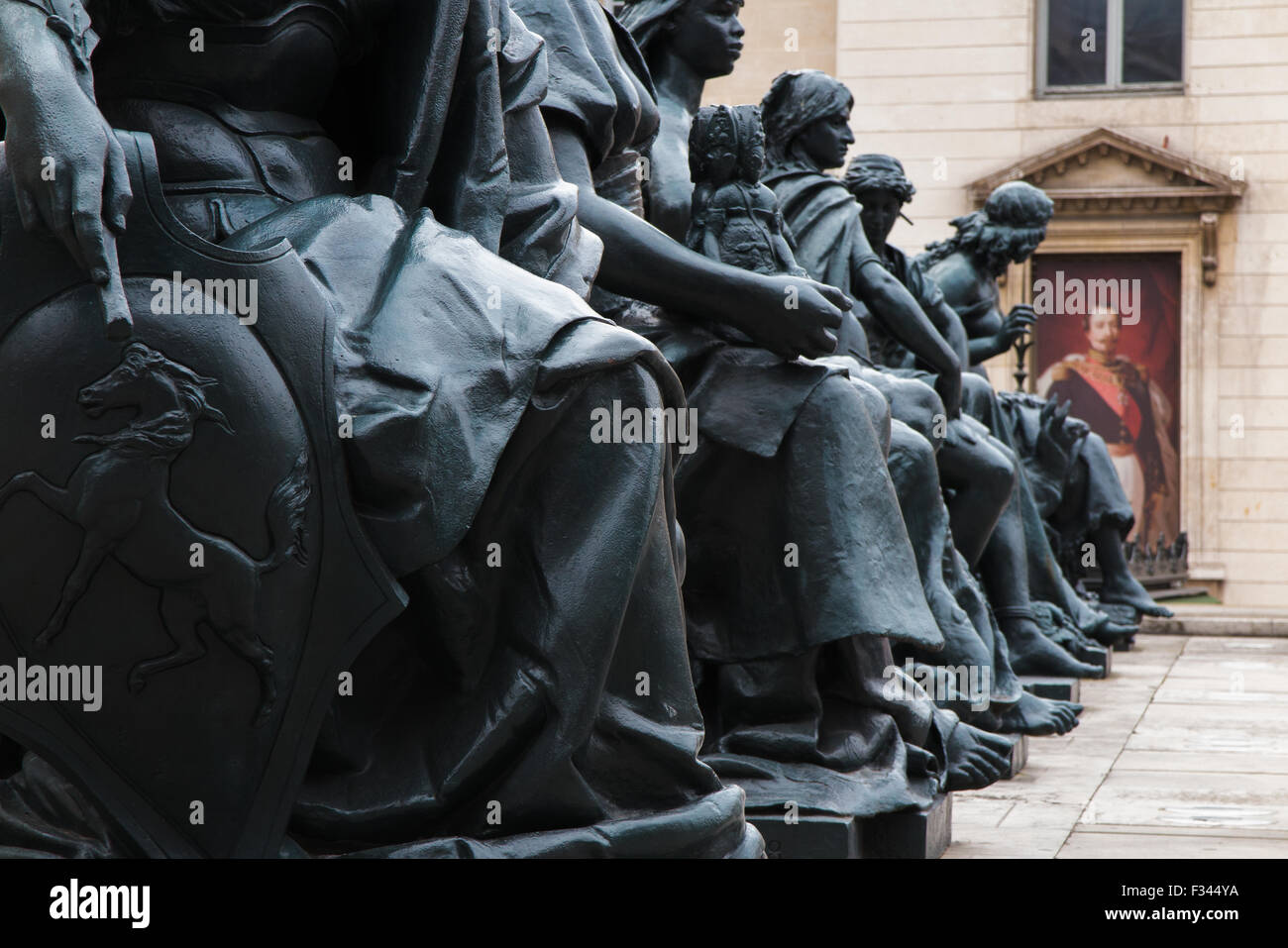 statues outside the Musée d'Orsay, Paris, France - Stock Image