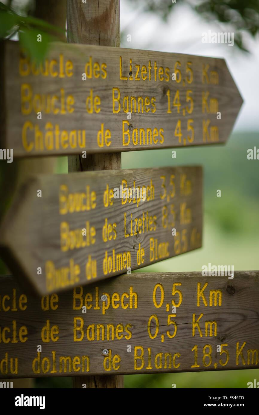 signpost, Pays de Bergerac, Périgord, Dordogne, Aquitaine, France - Stock Image