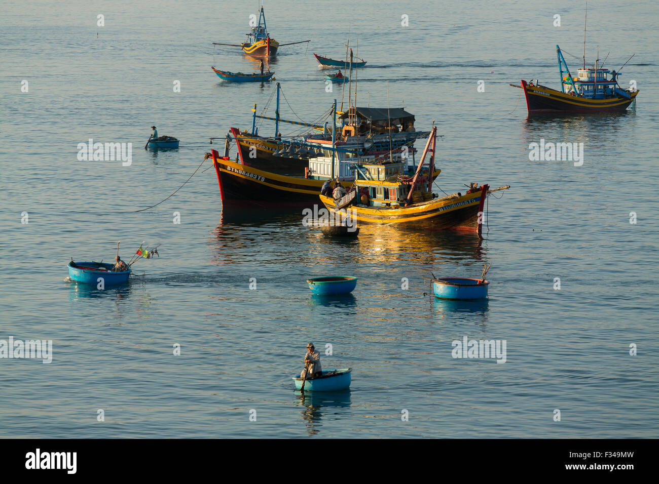 boats anchored off Mũi Né fishing village, Bình Thuận Province, Vietnam - Stock Image