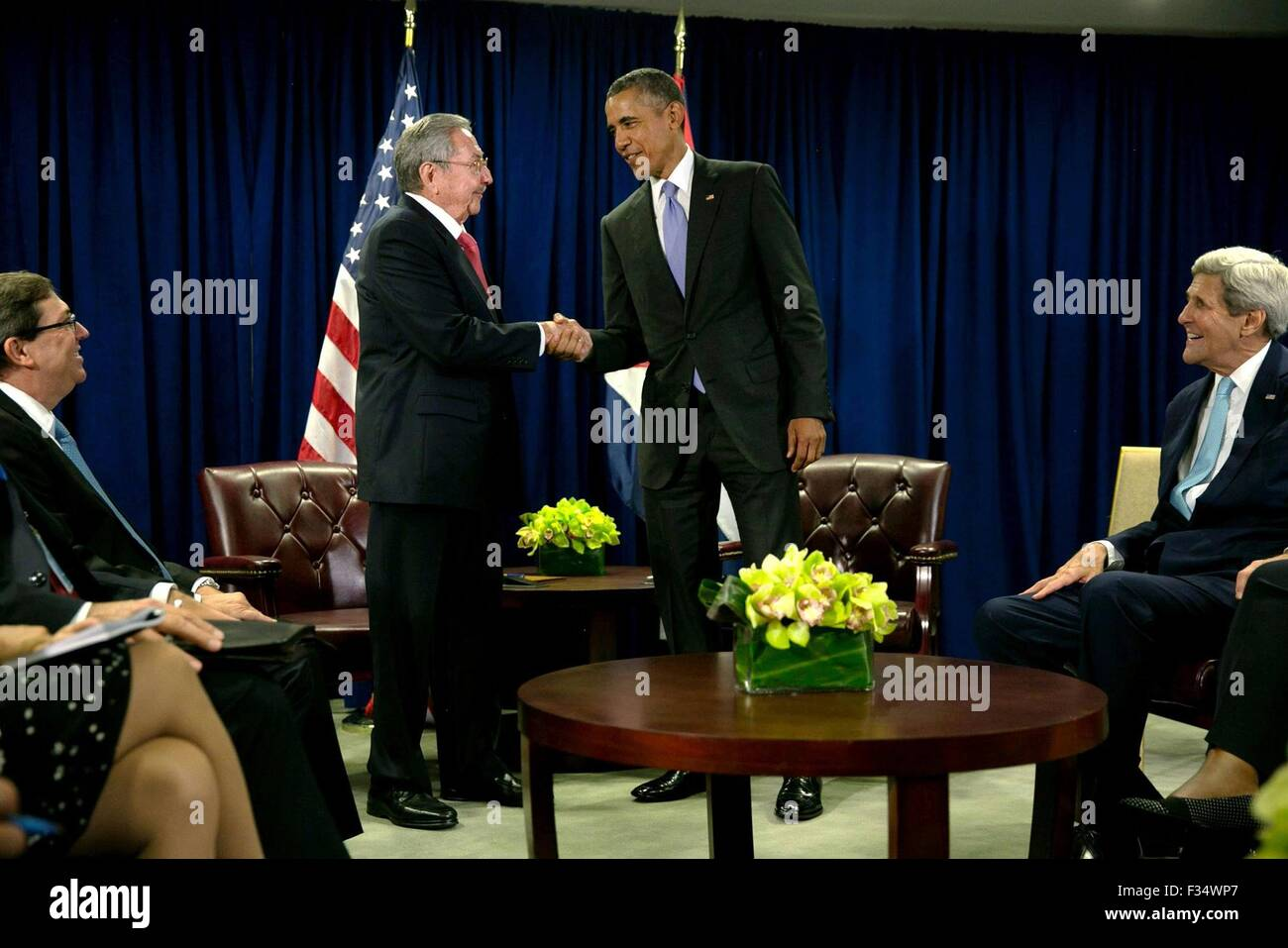 New York, New York, USA. 29th Sep, 2015. U.S. President Barack Obama greets Cuban President Raul Castro before the start of their bilateral meeting at the United Nations September 29, 2015 in New York, N.Y. Stock Photo