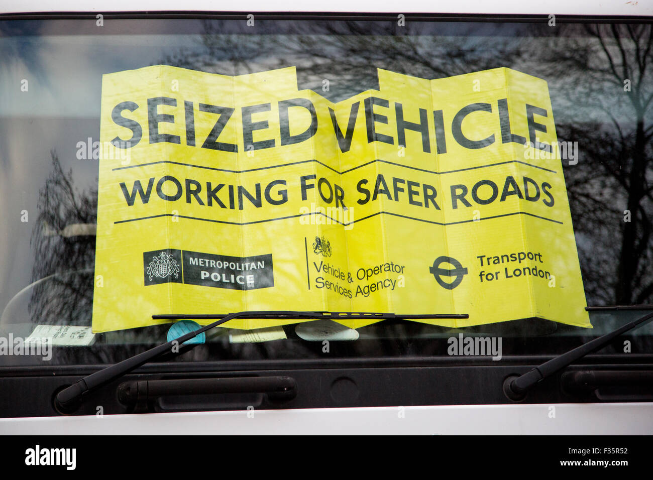 Transport for London's HGV Task Force set up a check point to ensure that vehicles conform to safety requirements - Stock Image
