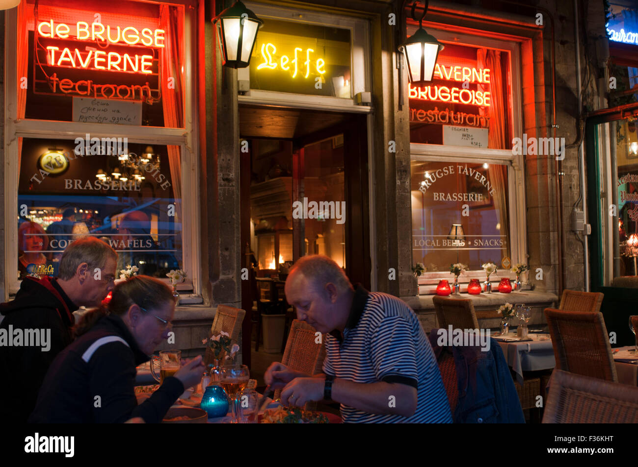 Tipical restaurant in Brugge. Taverne Brugeoise. Menu's rate  from 16.00€  to 22.00€. à la carte rate (entrée, main Stock Photo