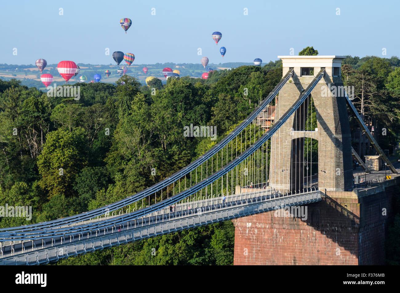 The Bristol International Balloon Fiesta seen over the Clifton Suspension Bridge - Stock Image