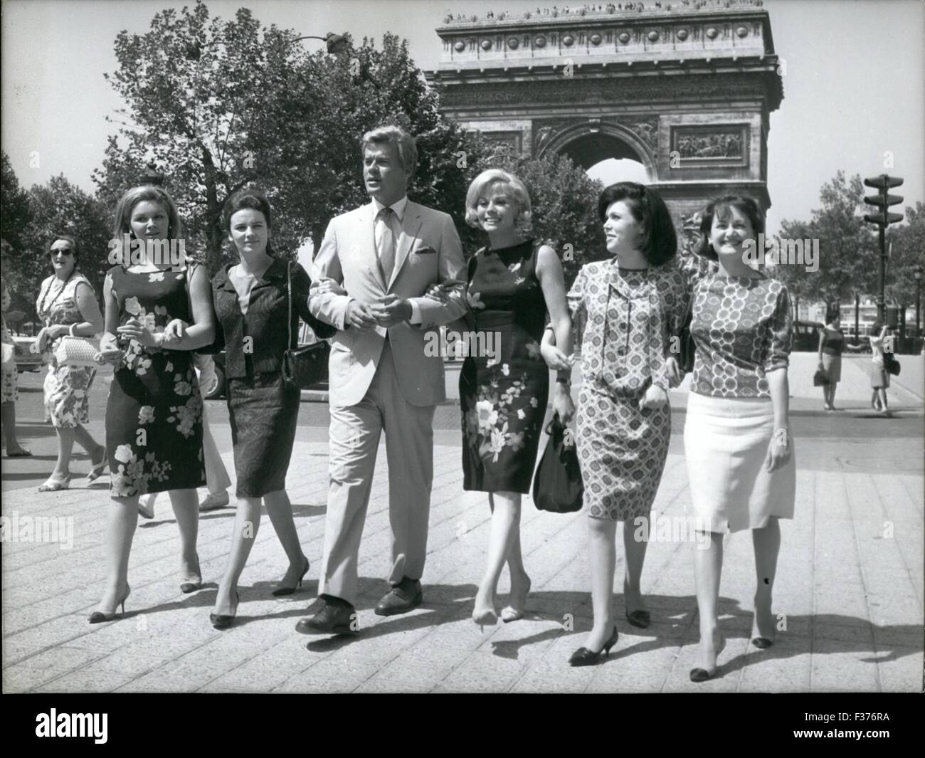 1965 - The Cinema Actor James Ward known as ''Skip'' has arrived in Paris to make a film. The Cinema - Stock Image