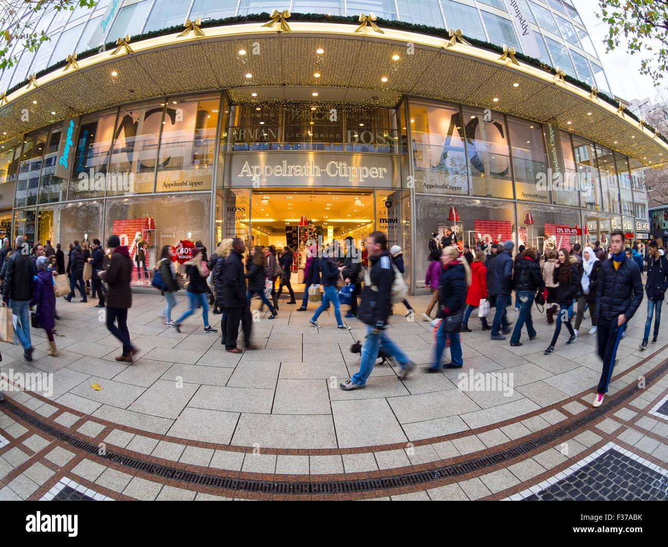 People shopping, christmas shopping, Frankfurt am Main, Hesse, Germany - Stock Image