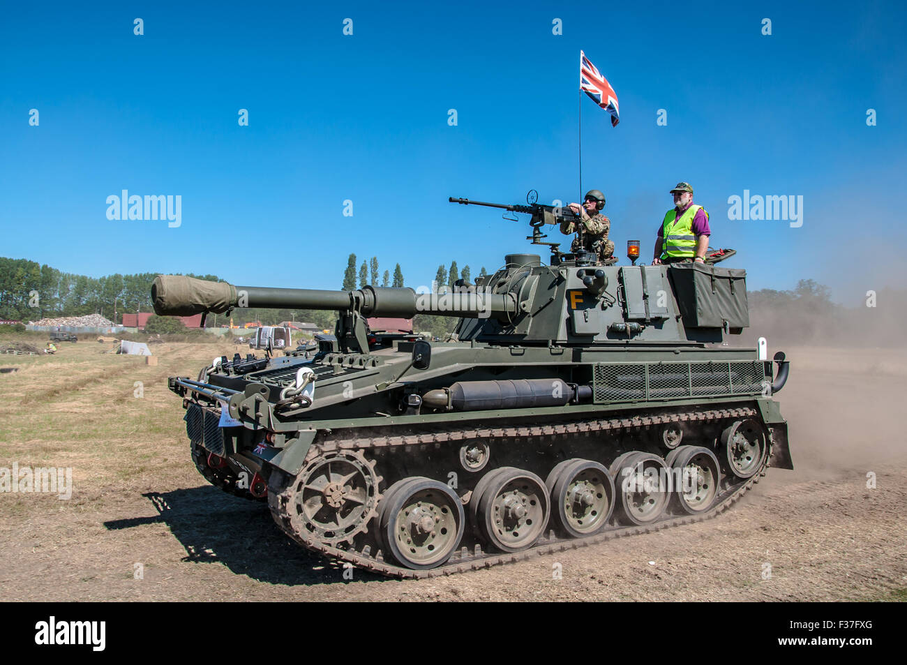 Vickers Abbot self propelled gun. An ex-military vehicle in private hands being put through its paces for the public - Stock Image