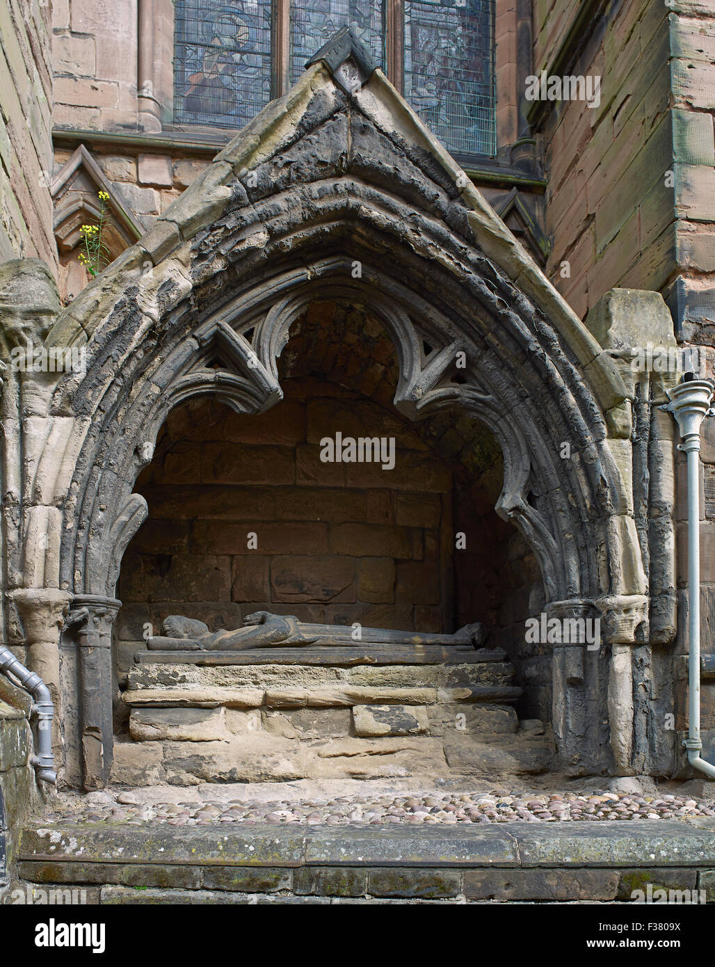 Lichfield Cathedral tomb of unknown canon - Stock Image