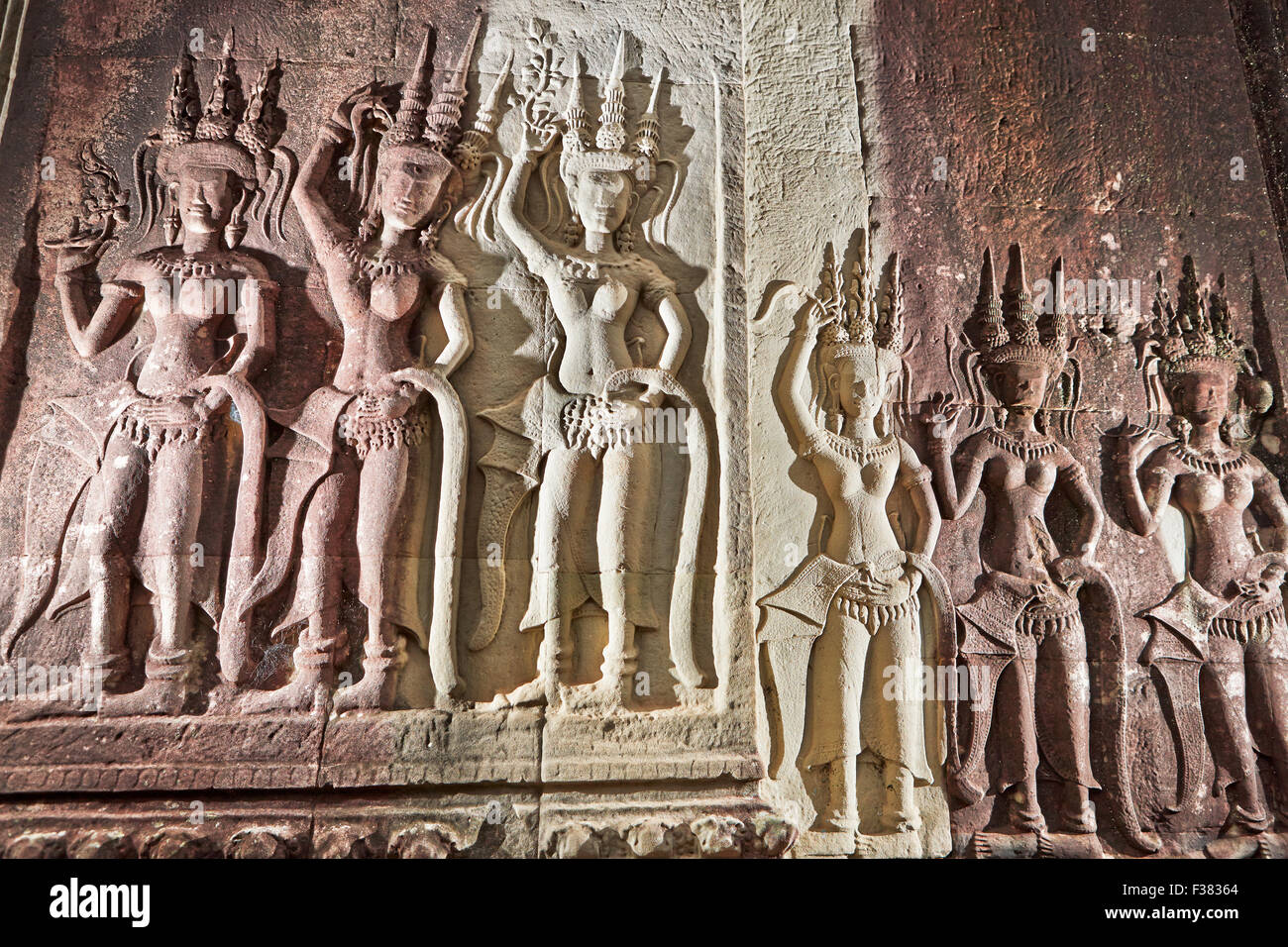Bas-relief of apsaras (celestial dancers) in Angkor Wat temple. Angkor Archaeological Park, Siem Reap Province, - Stock Image
