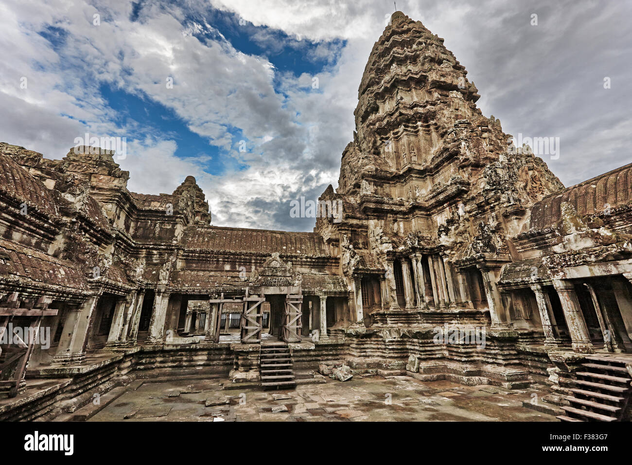 Top level of Angkor Wat temple. Angkor Archaeological Park, Siem Reap Province, Cambodia. - Stock Image