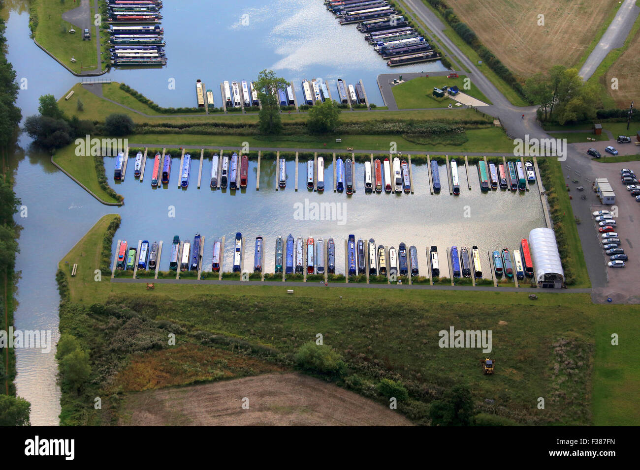 Cropredy Marina is situated on the southern Oxford Canal NORTH OF CROPREDY VILLAGE, OXFORDSHIRE - Stock Image
