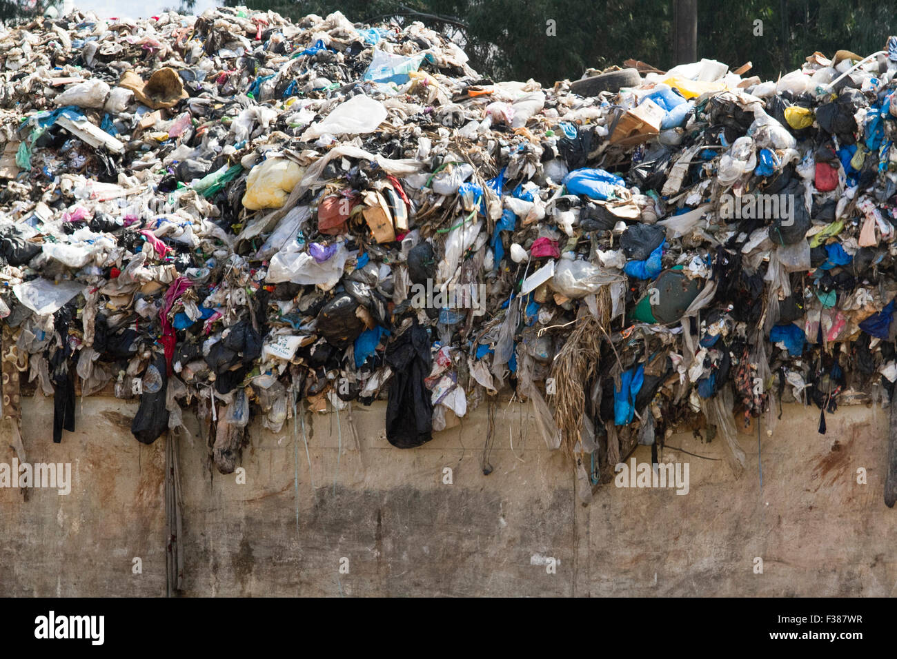 Beirut Lebanon. 1st October 2015. Beirut  local municipalities struggles to cope with the amount of rubbish waste - Stock Image