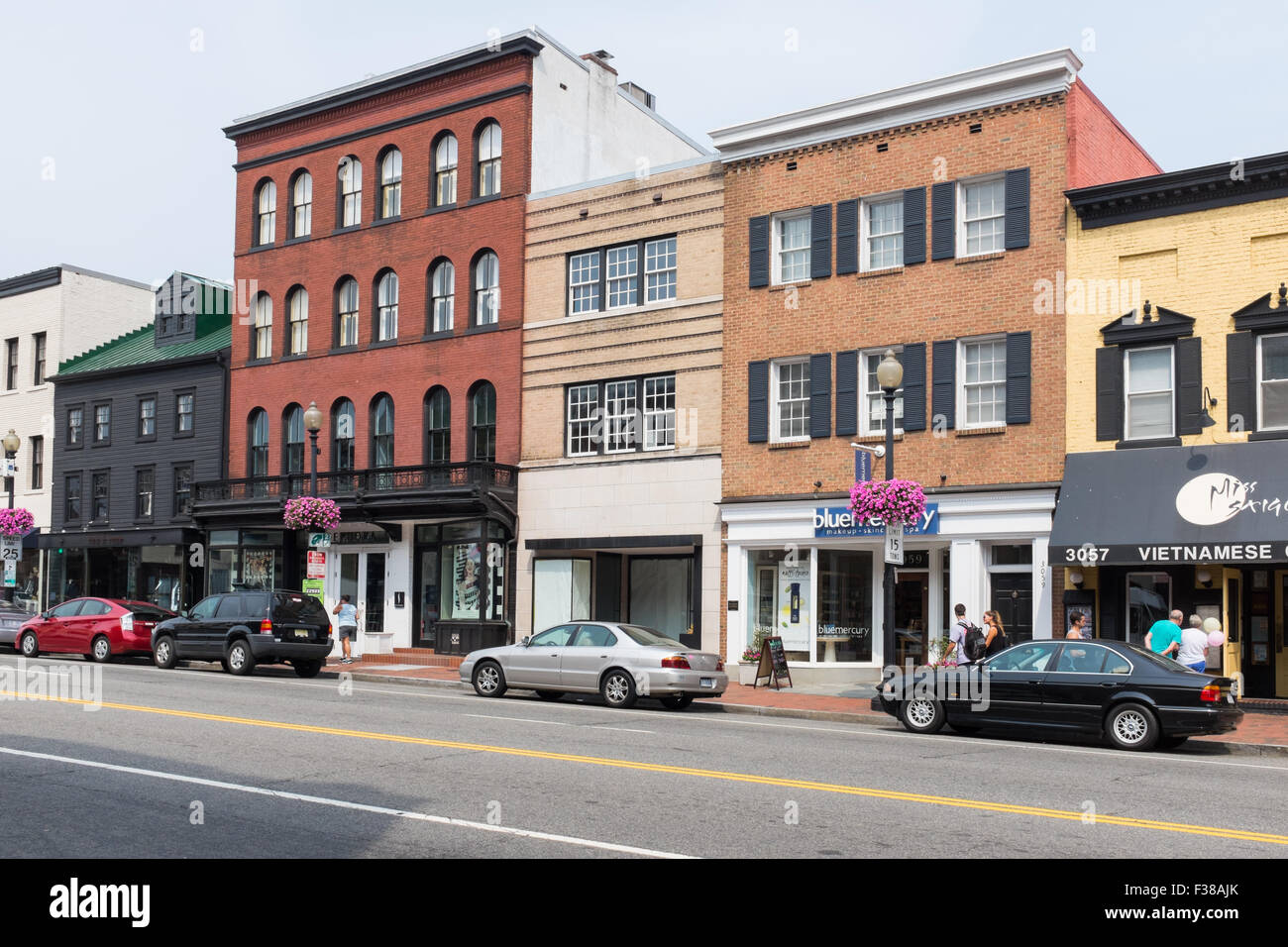 Shops And Restaurants On M Street Nw In Georgetown
