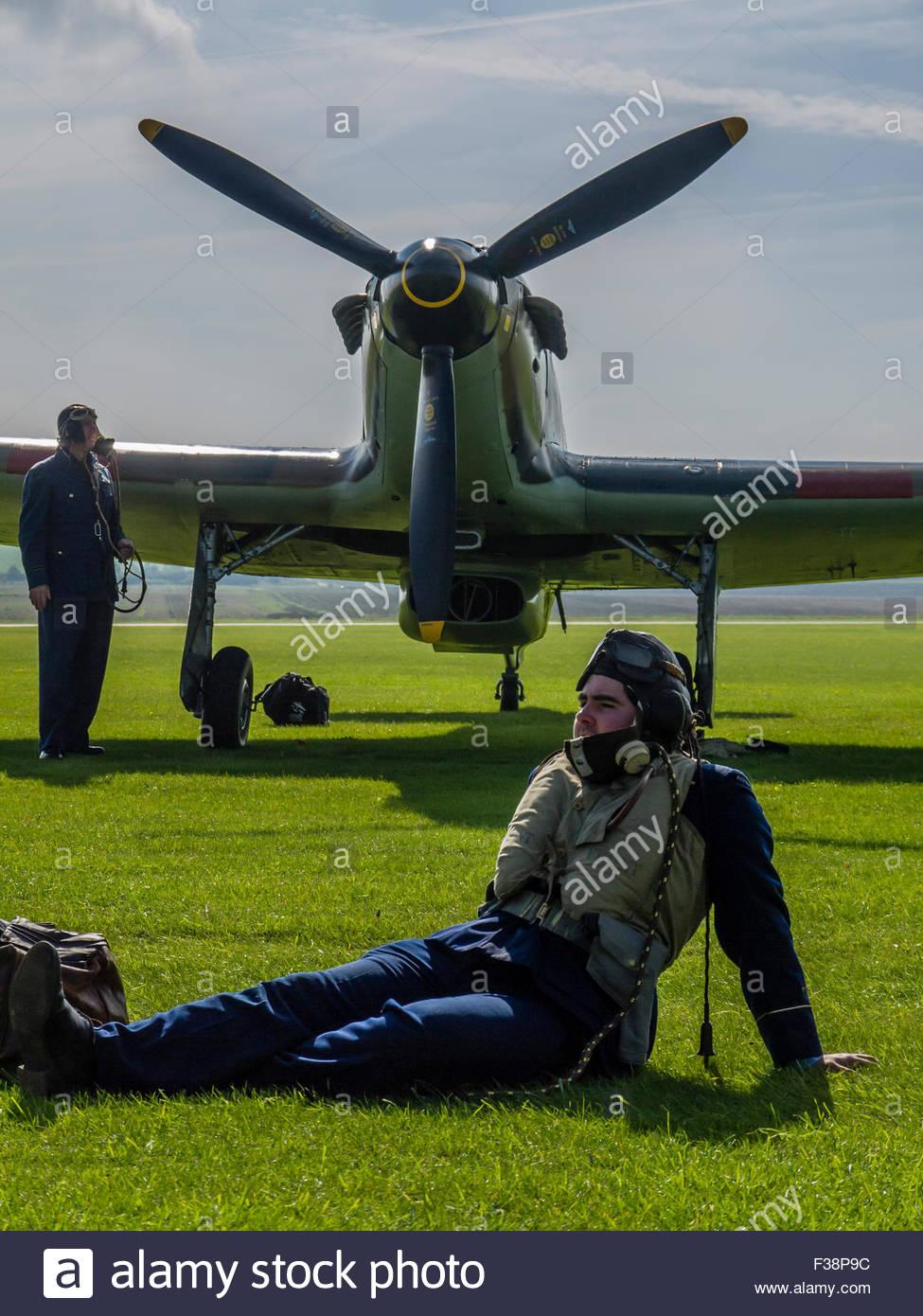 Duxford Battle of Britain 2015 Hurricane Pilot and Ground Crew waiting order to Scramble 1940's England UK - Stock Image