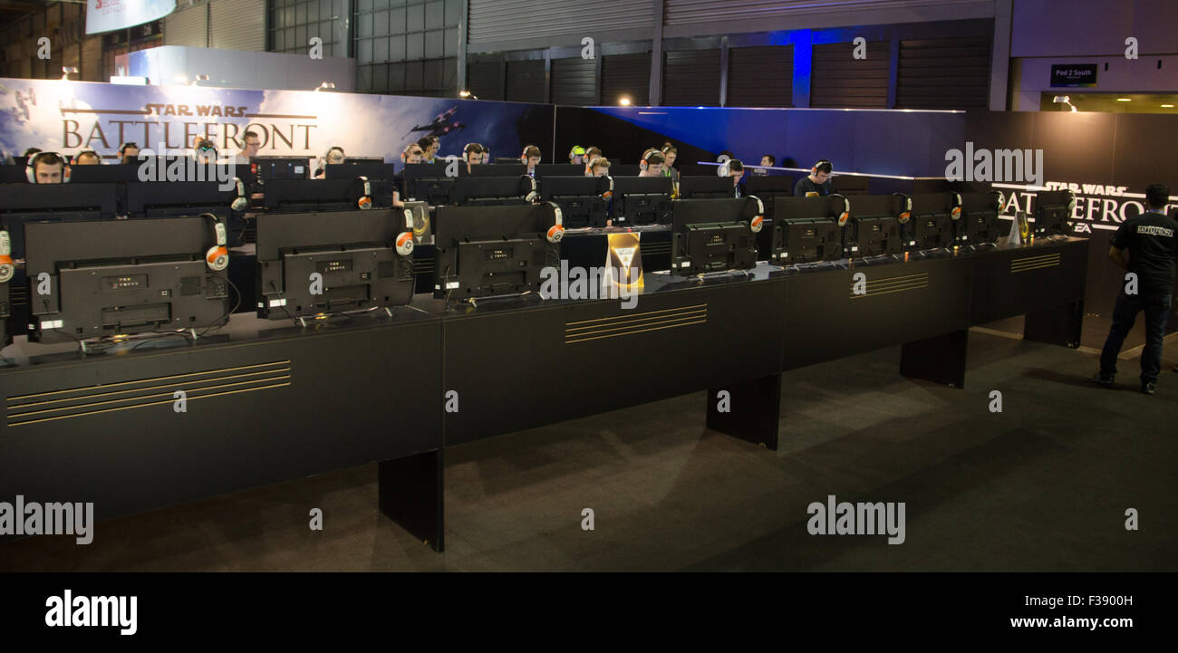 Sydney, Australia. 2nd October, 2015. Gamers had the oppurtunity to play the new game Star Wars Battlefront at the - Stock Image