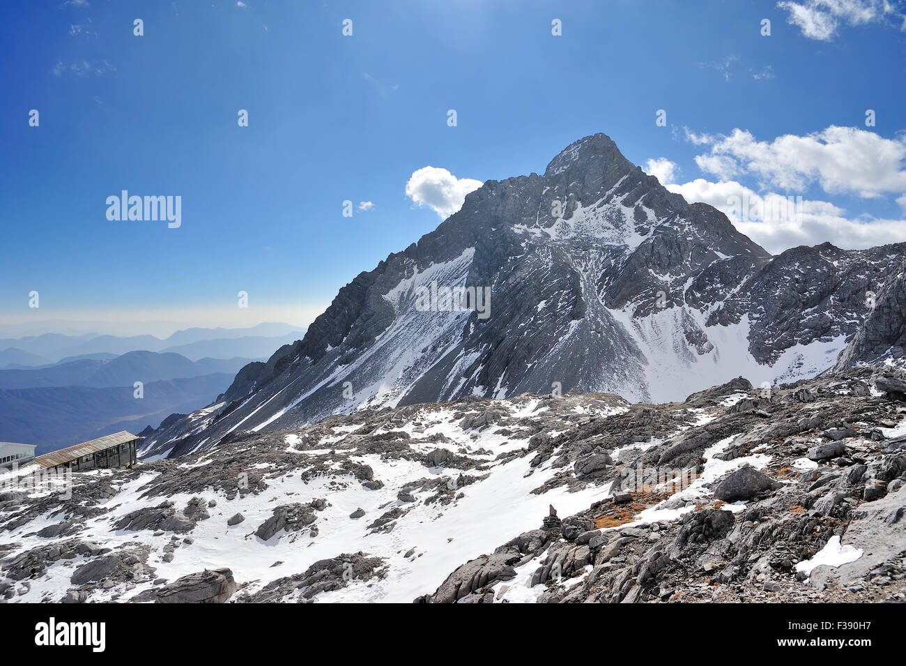 Yulong Snow Mountain in Yunnan, China - Stock Image