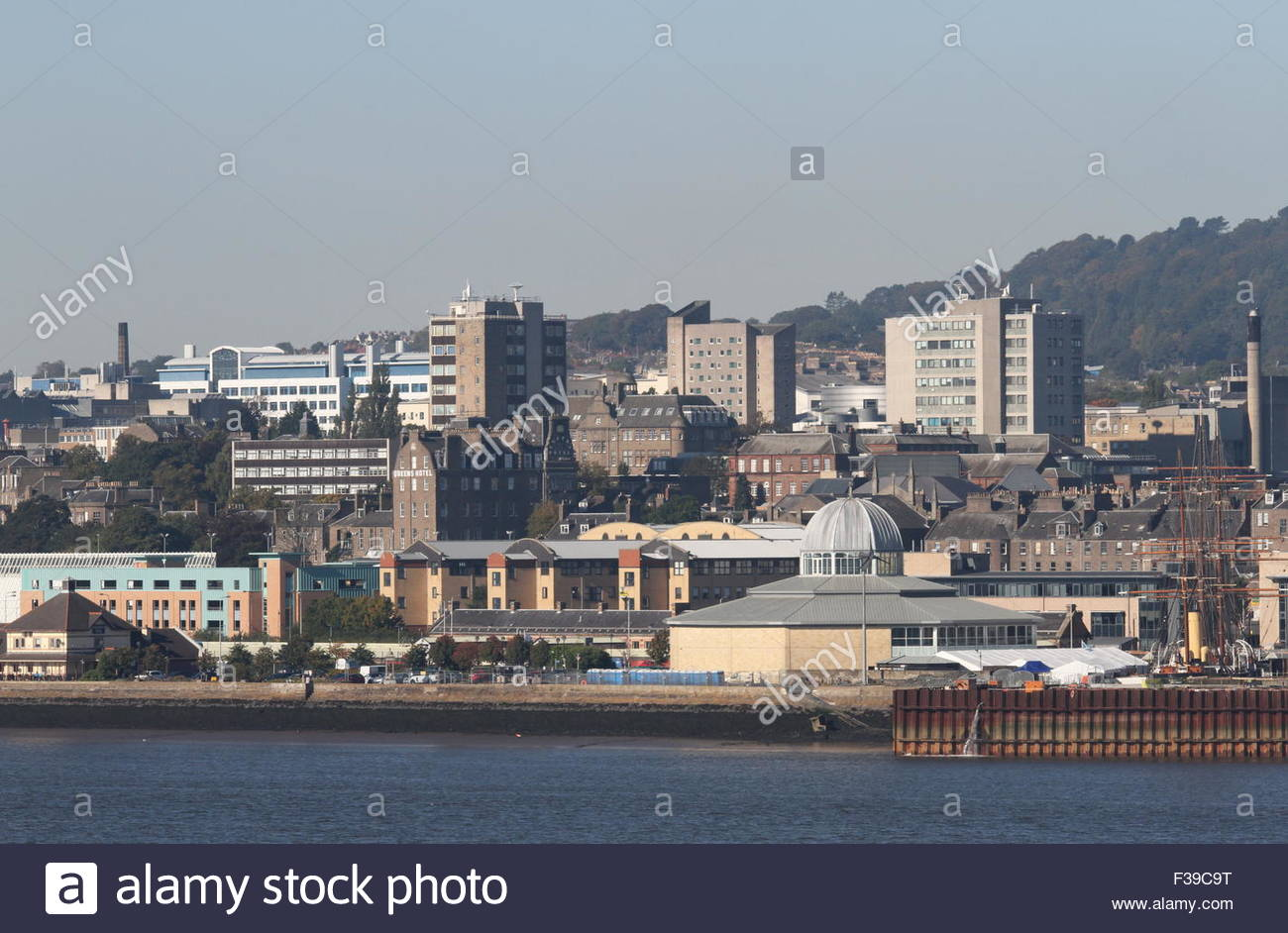 Discovery Point and University of Dundee Scotland - Stock Image
