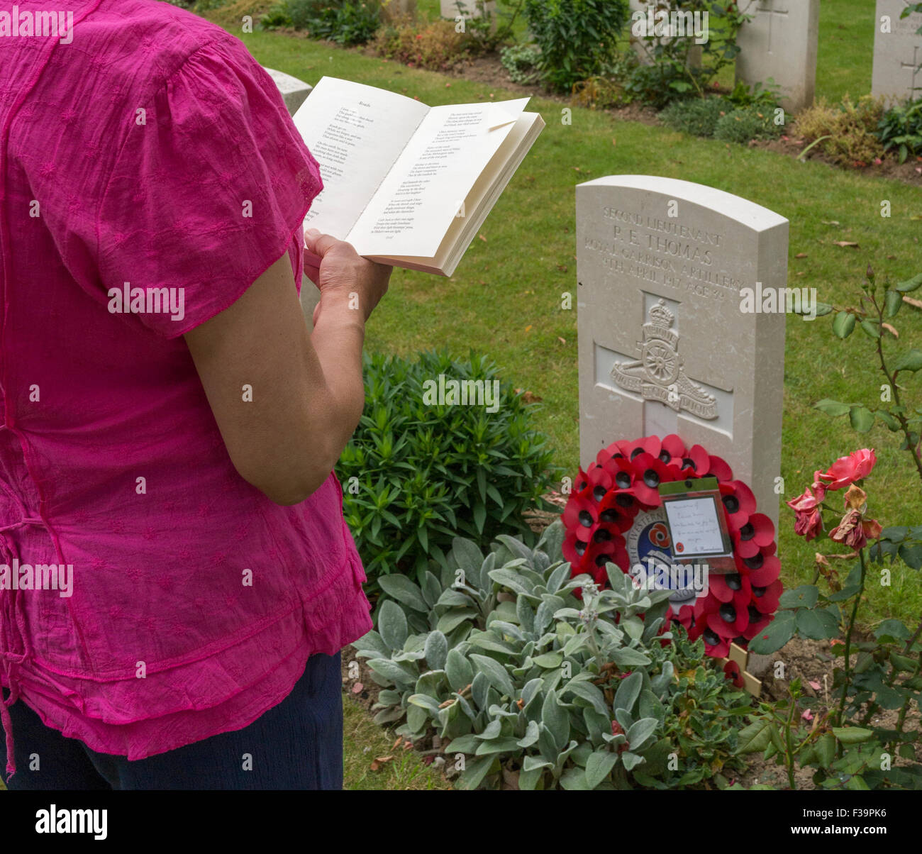 Grave of the writer, novelist and poet Edward Thomas killed on 9 of April 1917 on the Western Front during the Battle - Stock Image