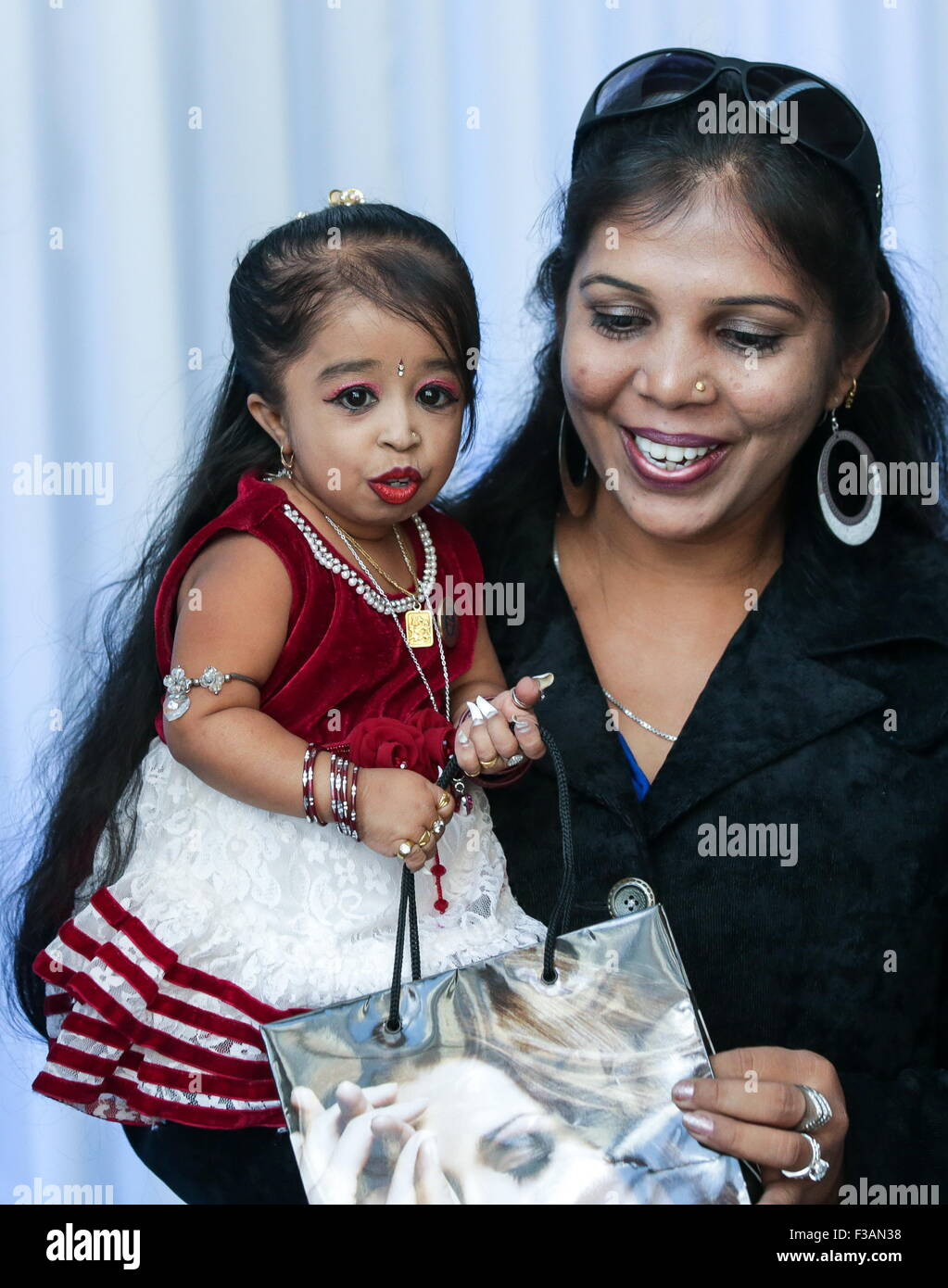 Moscow, Russia. 3rd Oct, 2015. World's shortest woman Jyoti Amge, 62.8cm, attends the opening ceremony of Moscow's Stock Photo