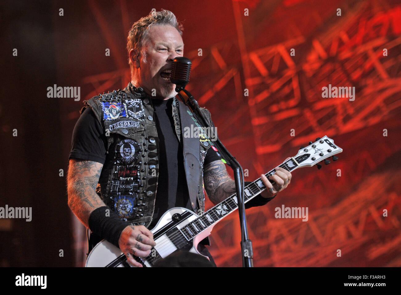 Lollapalooza Festival 2015 - Performances - Metallica  Featuring: James Hetfield, Metallica Where: Chicago, Illinois, - Stock Image