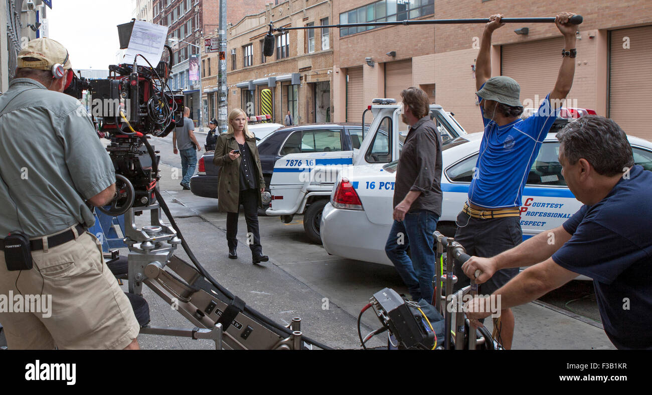 Kelli Giddish and Donal Logue film a scene for Law & Order: SVU in New York City. Stock Photo