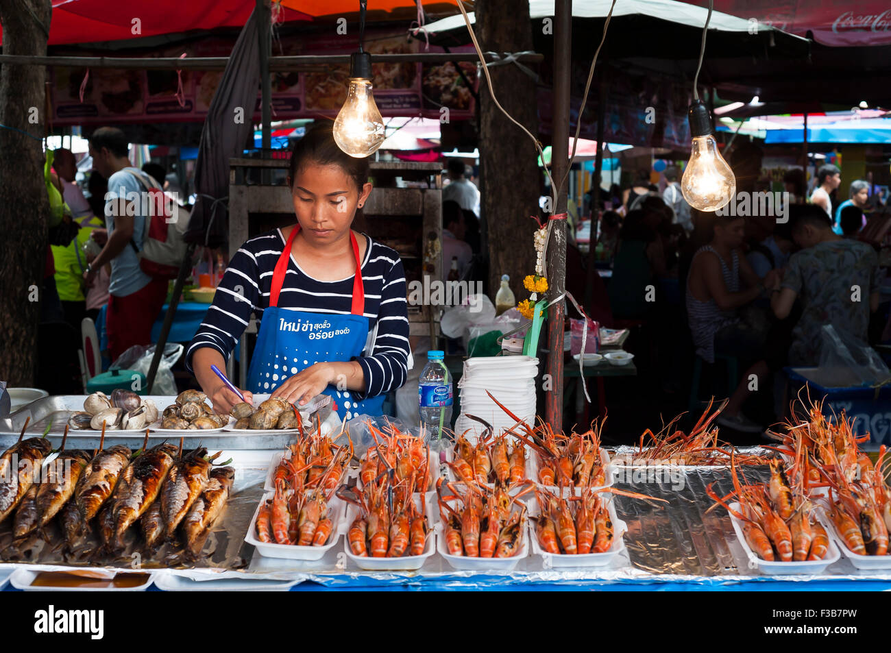 Seafood stall at Chatuchak Weekend Market, Bangkok - Stock Image