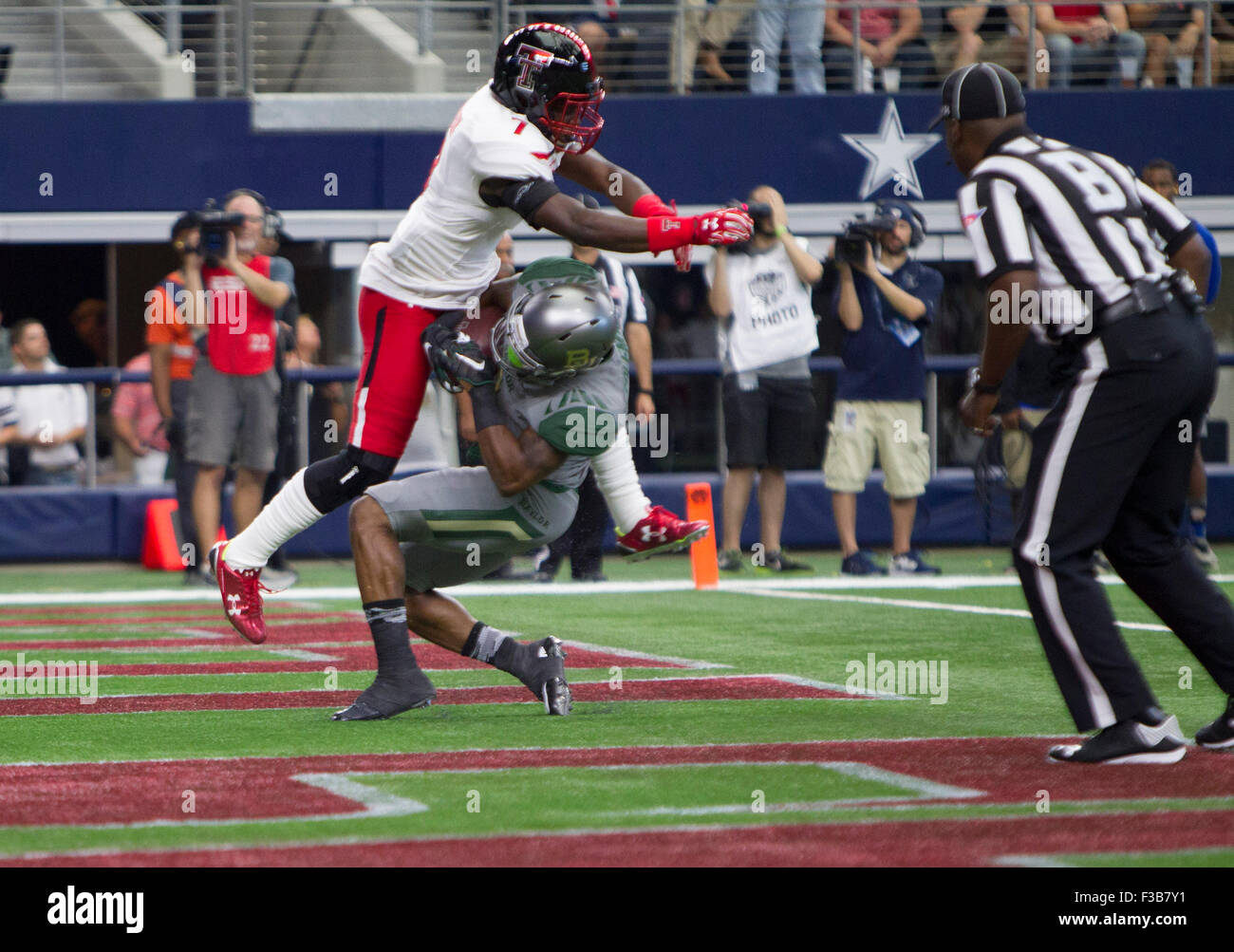 Arlington, Texas, USA. 3rd Oct, 2015. Baylor Bears wide receiver Corey Coleman #1 scores a touchdown during the Stock Photo