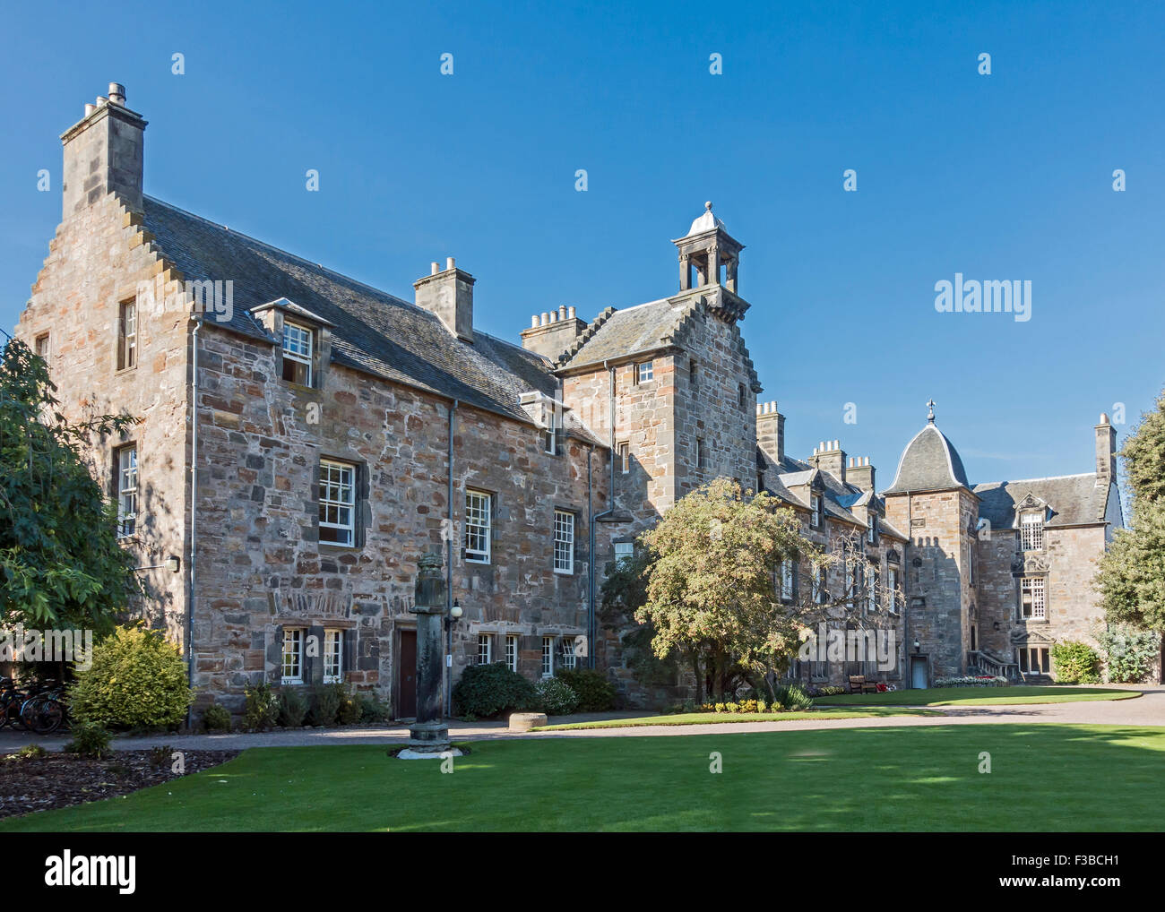 St. Mary's College with Mary Queen of Scots Hawthorn Tree in St. Andrews Fife Scotland - Stock Image