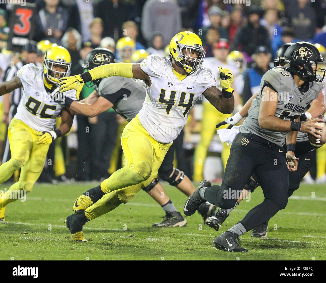 October 3, 2015: Oregon defender DeForest Buckner pursues Colorado QB Sefo Liufau in the second half. Oregon defeated - Stock Image
