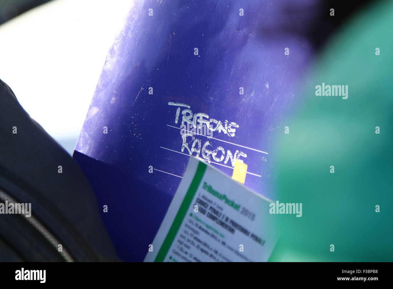 ITALY, Pordenone: Trifone Ragone dossier in the hands of lawyer during the case Double murder Trifone Ragone and - Stock Image