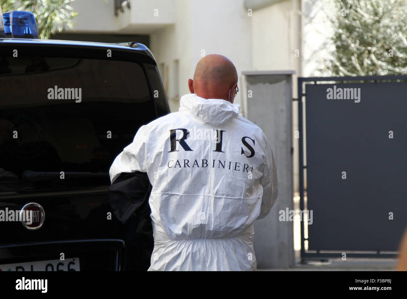 ITALY, Pordenone: Forensic police arrived at the apartment of the suspect in the case Double murder Trifone Ragone - Stock Image