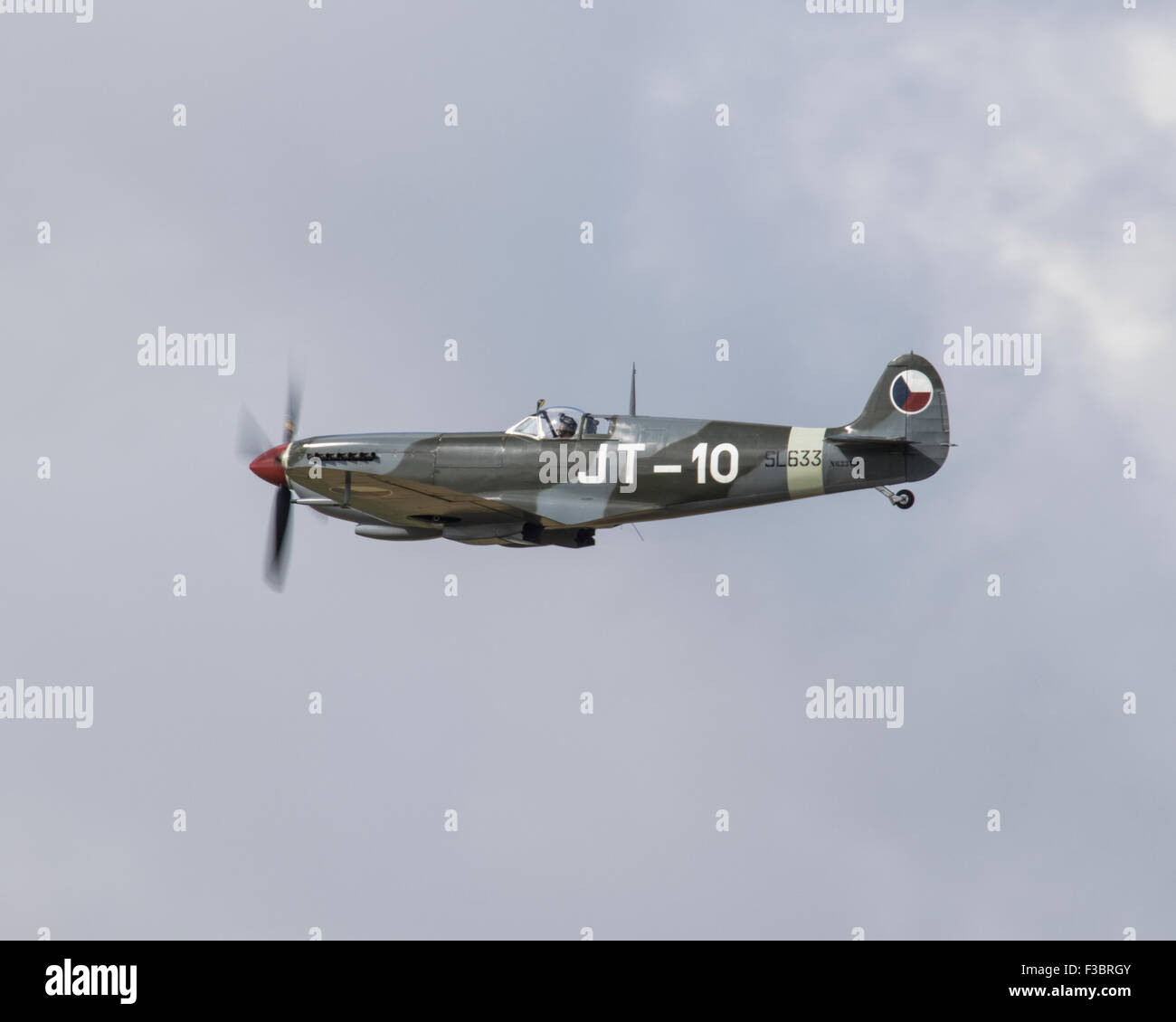 Spitfire Mk IX SL633 from the USA  flying at the Battle of Britain 75th Anniversary Flypast at Goodwood in 2015 Stock Photo