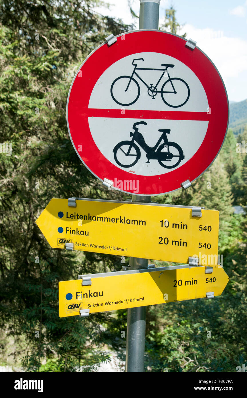 Pedestrian hiking path no bicycles or motorcycles allowed - Stock Image