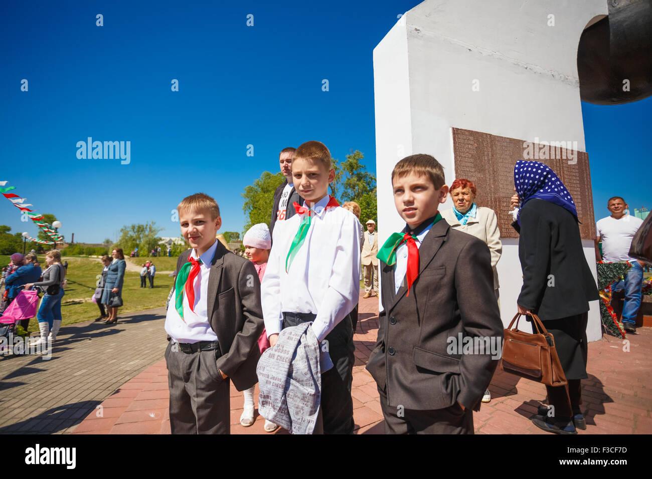 Dobrush (Gomel region), BELARUS - MAY 9, 2014: Unidentified Belarusian schoolchildren on the Victory Day parade - Stock Image