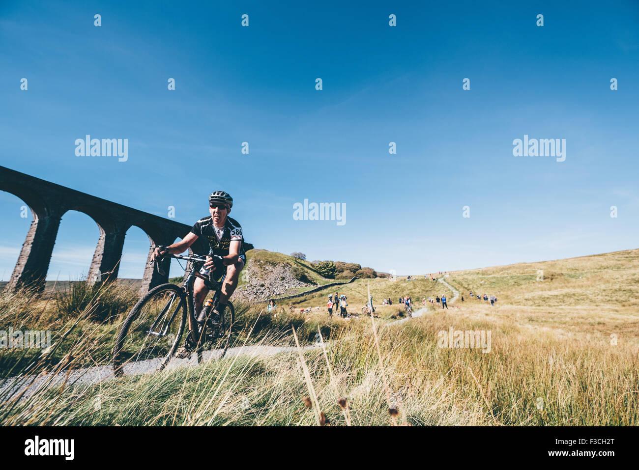 2015 - 3 Peaks Cyclocross Race - Yorkshire - Ingleborough, Whernside and Pen-y-ghent - Winner Paul Oldham - Jules - Stock Image