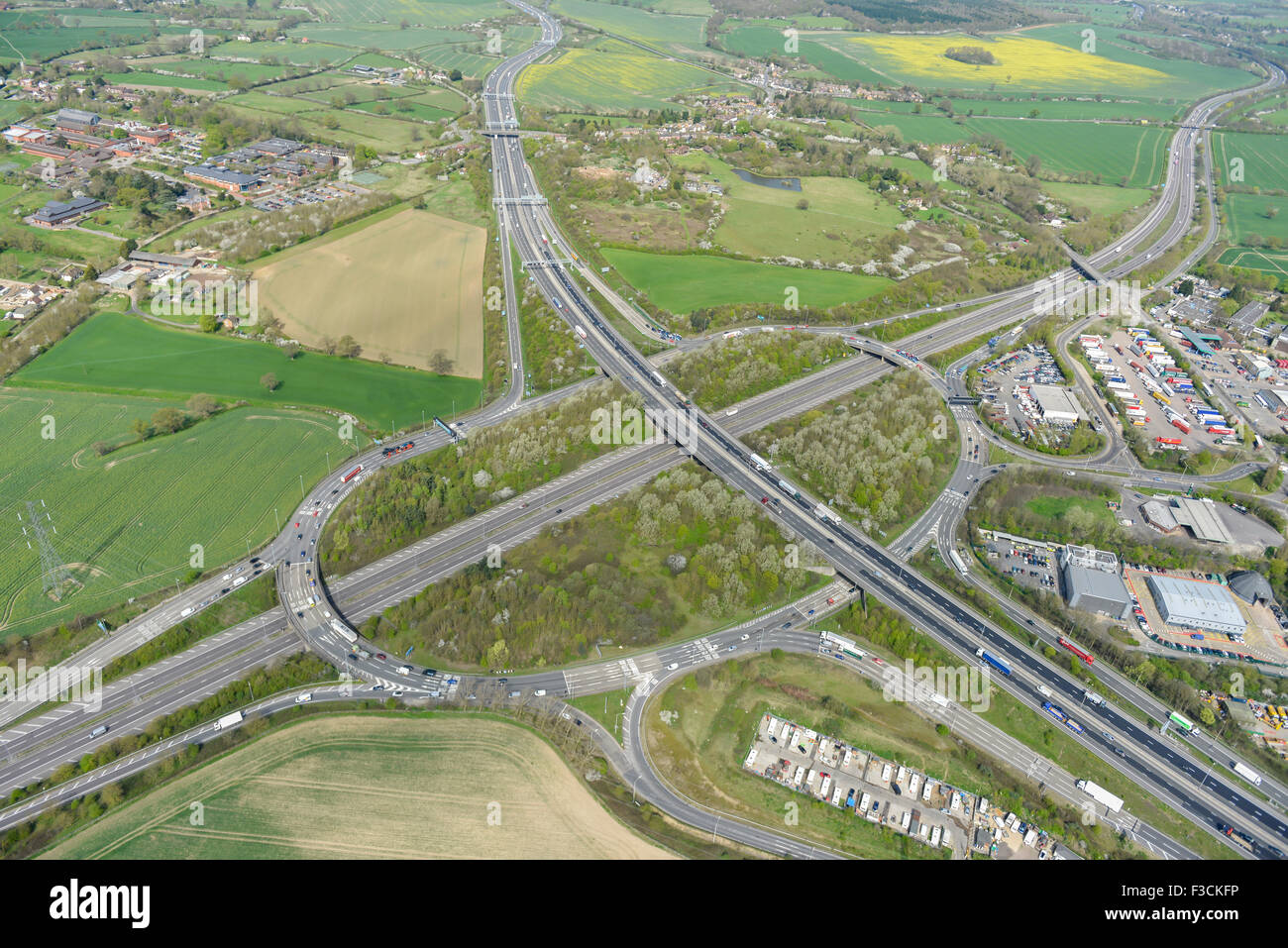 Aerial photograph of A1(M)-M25 junction, South Mimms, Hertfordshire - Stock Image