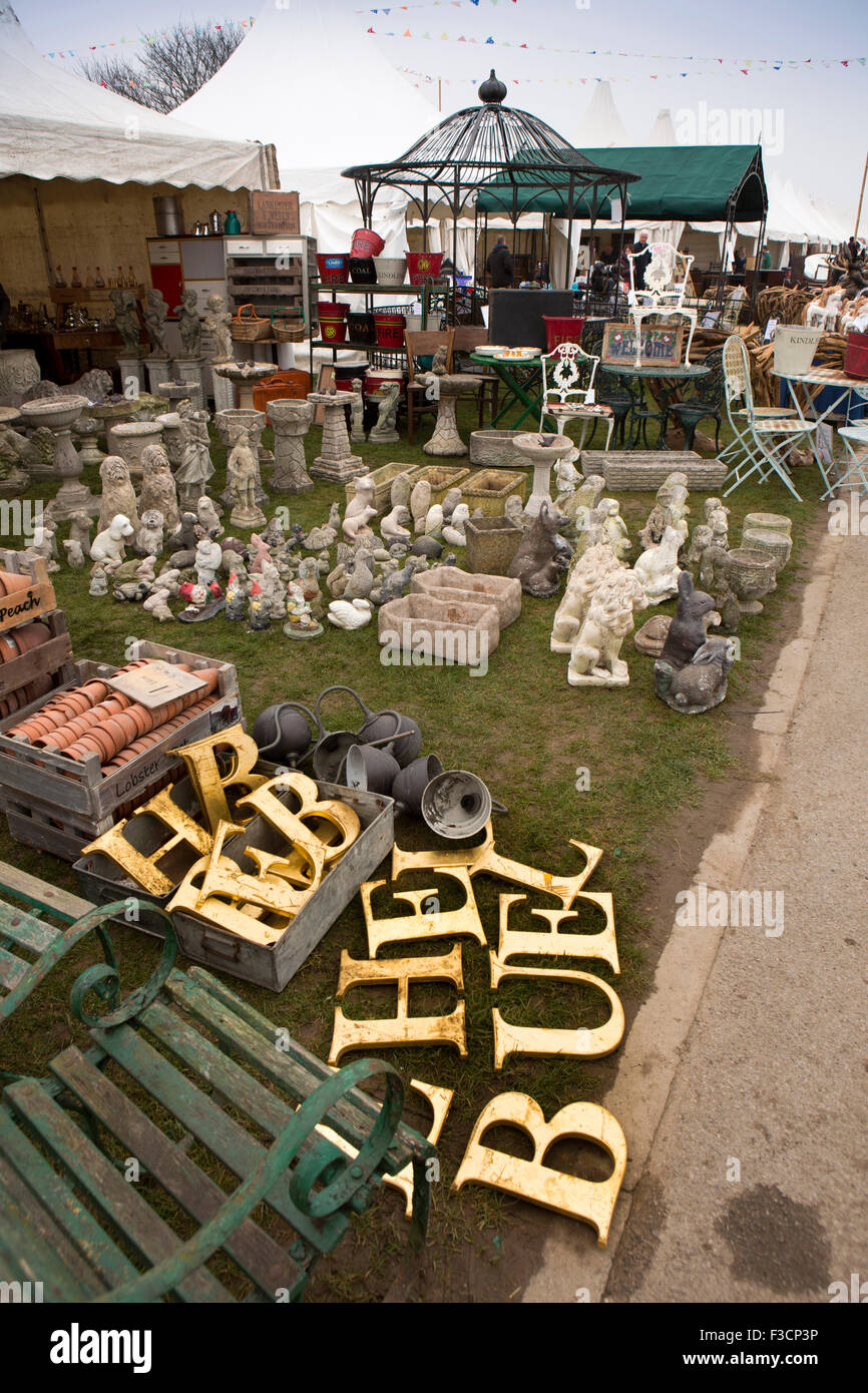 UK, England, Lincolnshire, Lincoln, Antiques Fair, reclaimed gold sign letters in stall selling garden ornaments - Stock Image