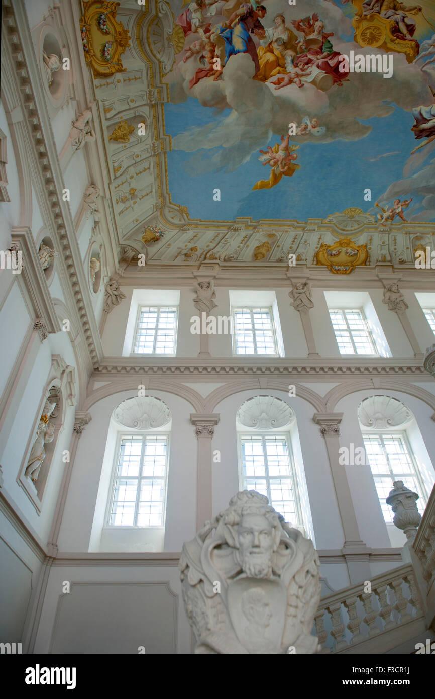 Österreich, Niederösterreich, Krems, Stift Göttweig, die Kaiserstiege erhebt sich über drei - Stock Image