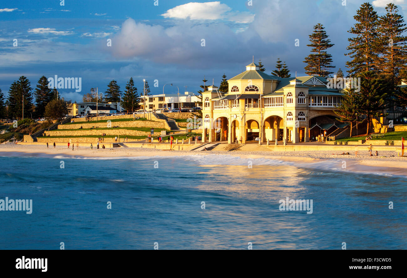 The Indiana Coffeehouse at Cottesloe Beach, Western Australia during sunset. - Stock Image