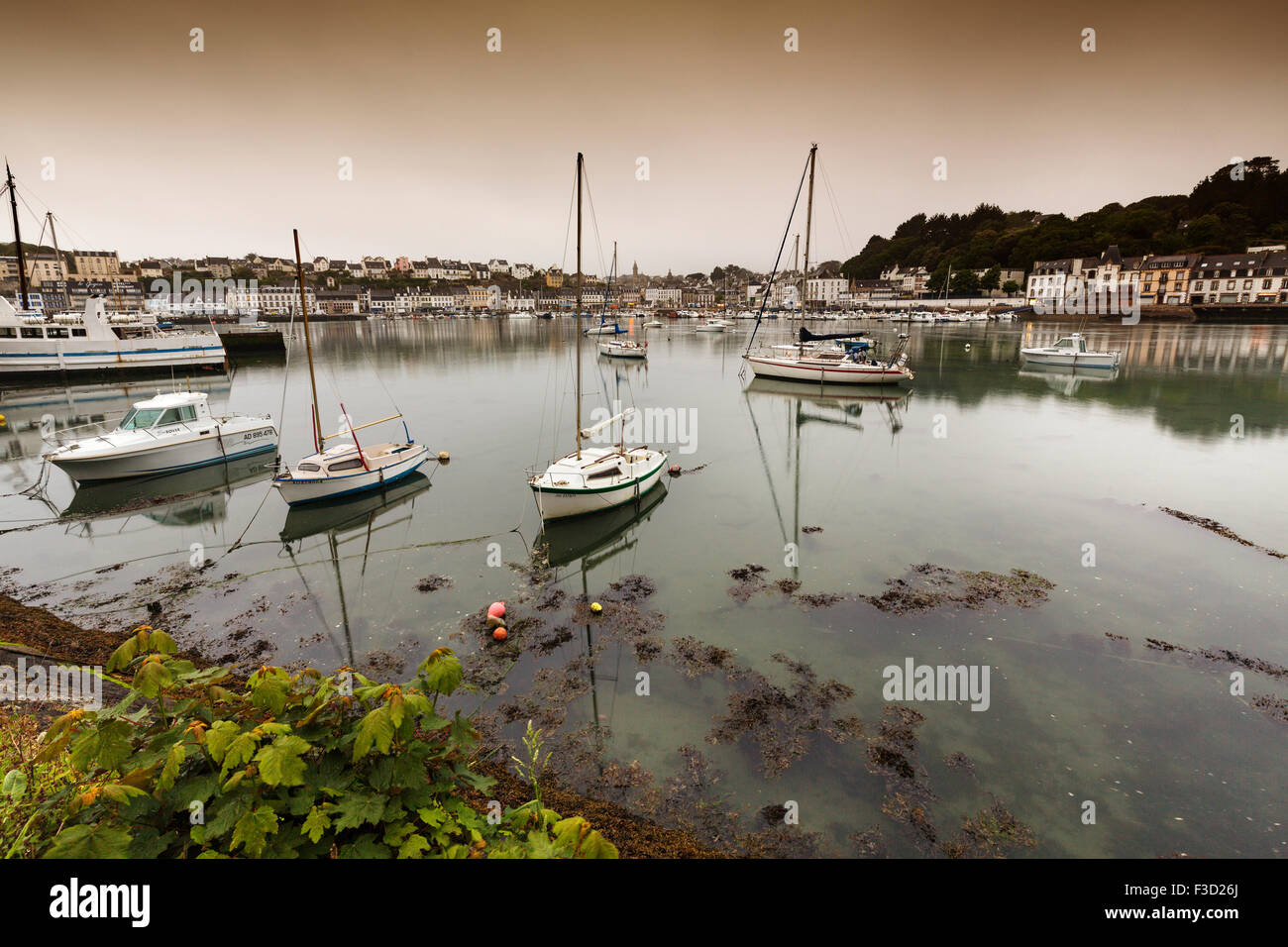 Audierne port Finistere French Brittany France Europe - Stock Image