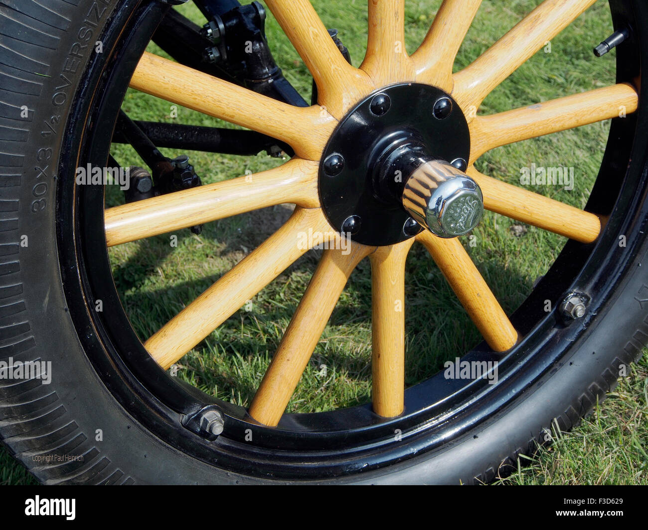 Wooden Spoked Wheel Stock Photos & Wooden Spoked Wheel Stock Images ...