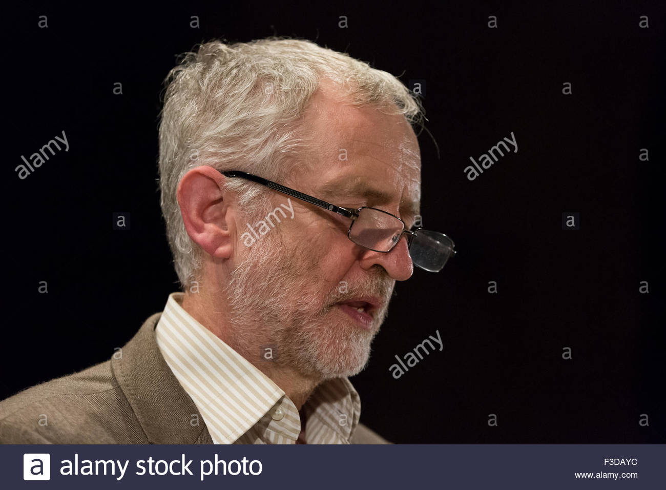 Manchester, UK. 5th October, 2015. Jeremy Crobyn, leader labour, give a speech at the Cwu, comunication worker union, - Stock Image