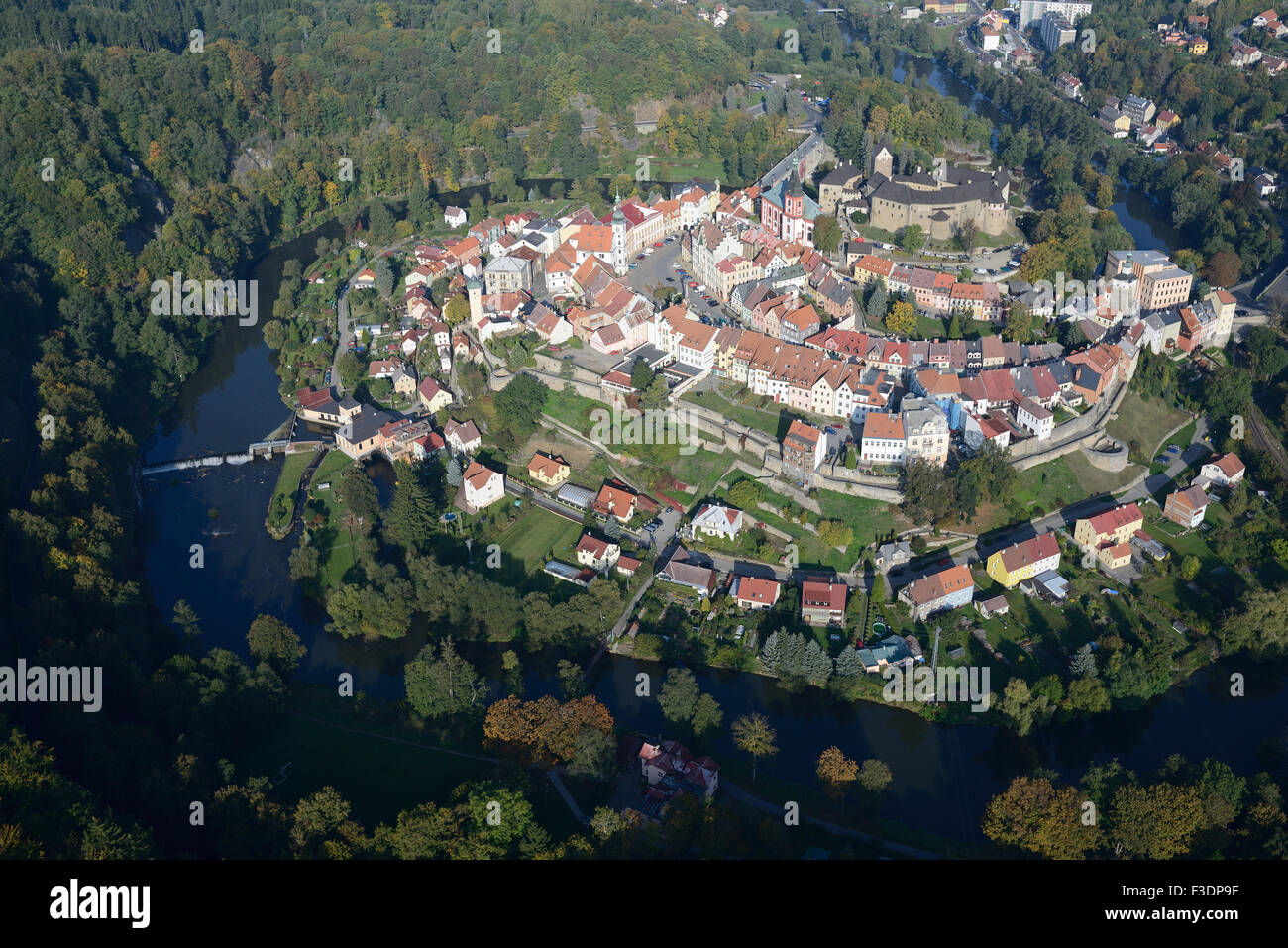 MEDIEVAL VILLAGE WITHIN A RIVER MEANDER (aerial view). Ohře River, Loket, Bohemia, Czech Republic. - Stock Image