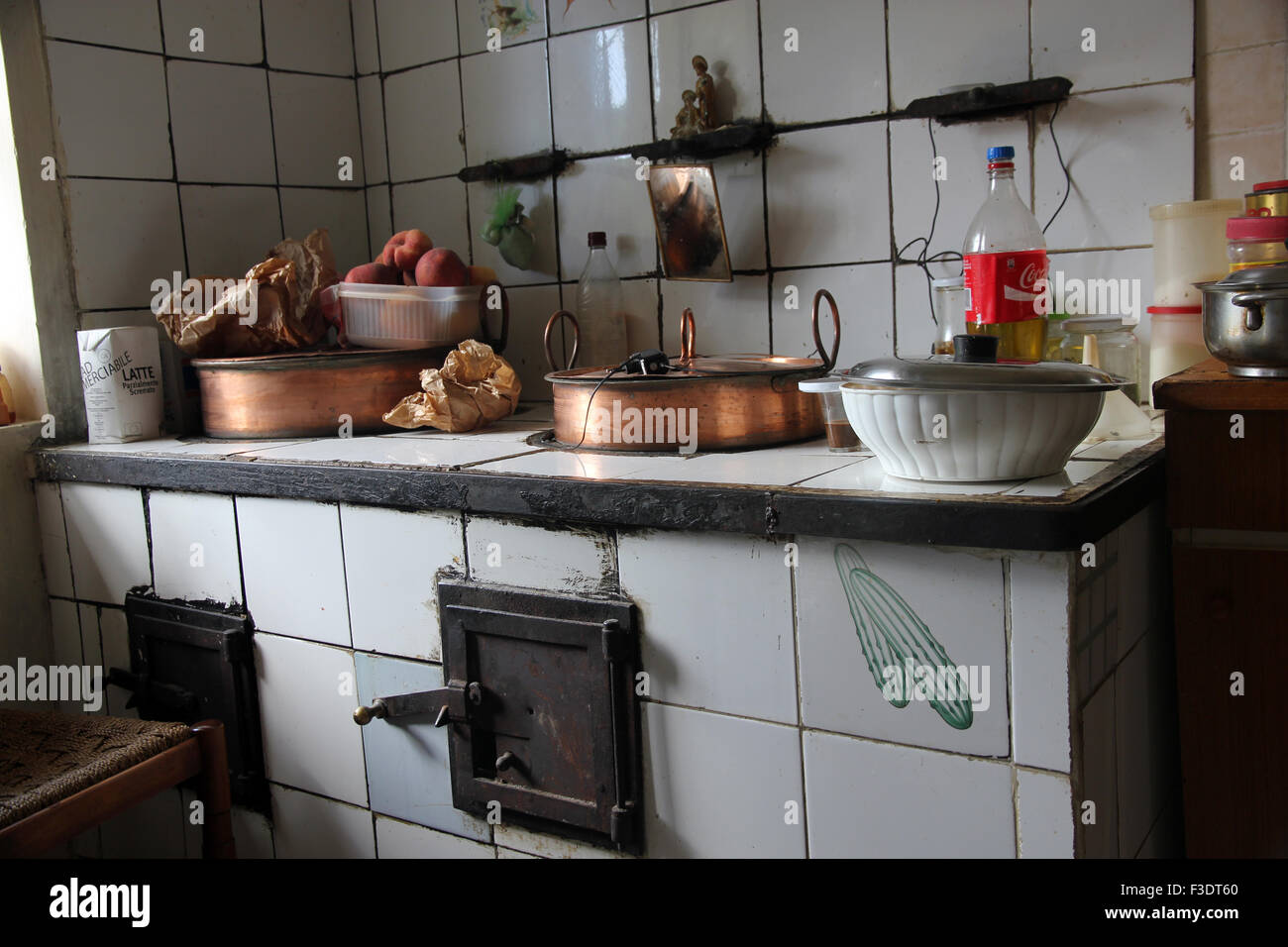 Italian Farmhouse Kitchen Stock Photo 88200168 Alamy