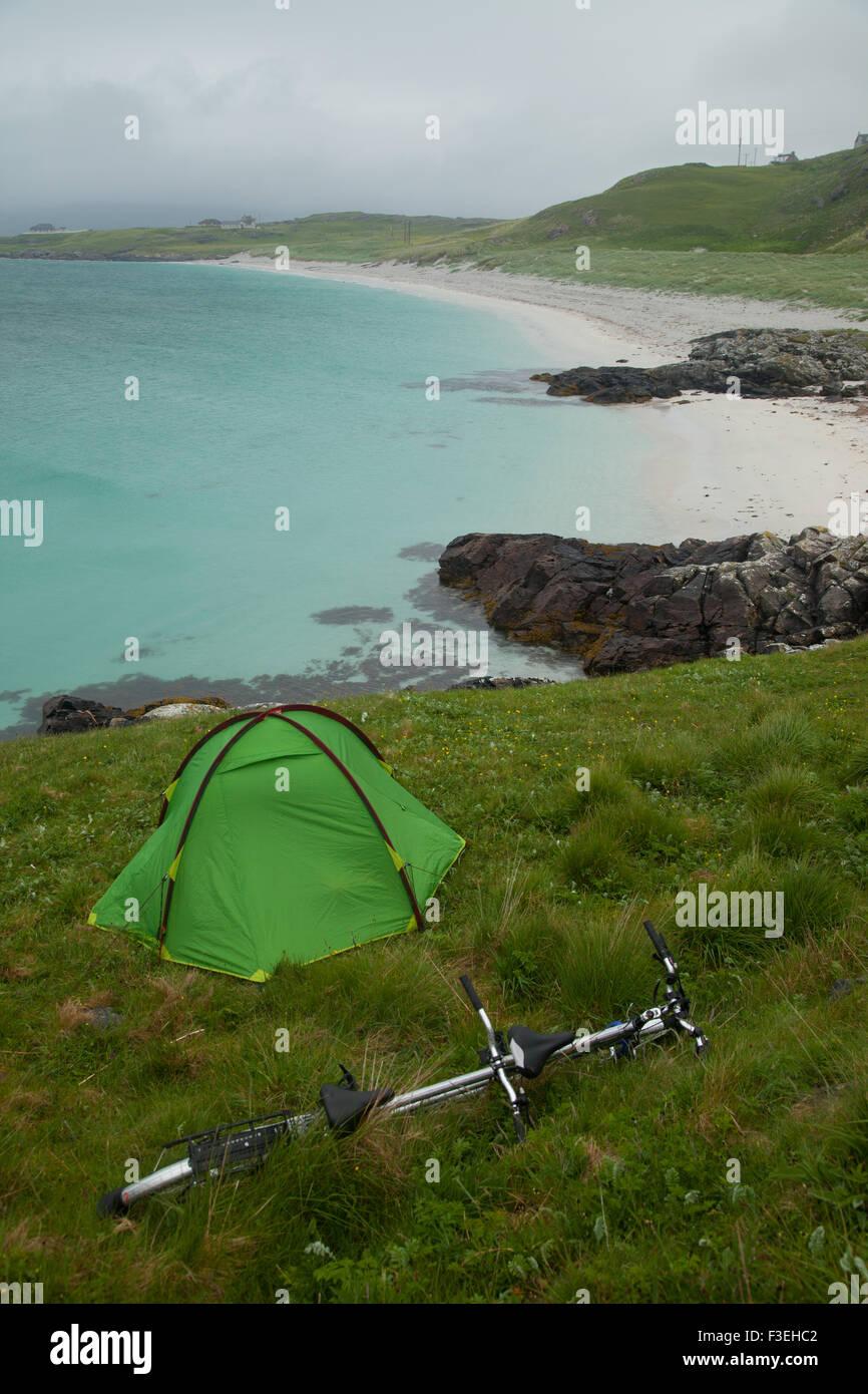 Rough camping near the Eriskay ferry terminal, Outer Hebrides, Scotland. - Stock Image