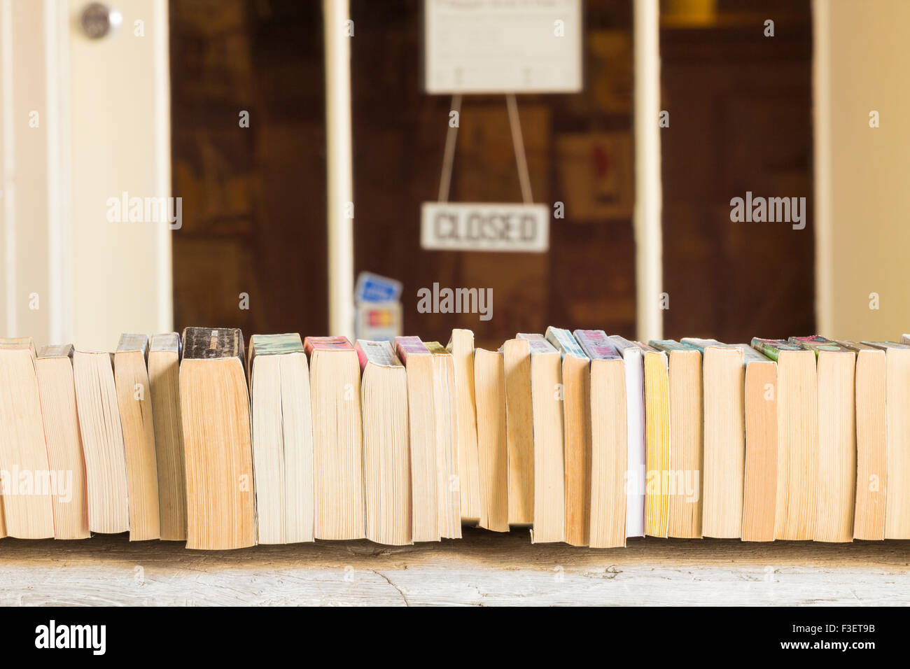 Secondhand books outside bookshop in Winchester, Hampshire, England, UK - Stock Image