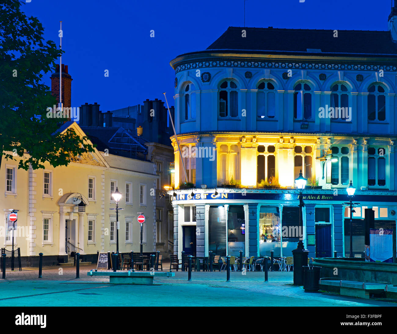 The Kingston Hotel and Trinity House, at dusk, Kingston upon Hull, East Riding of Yorkshire, Humberside, England - Stock Image