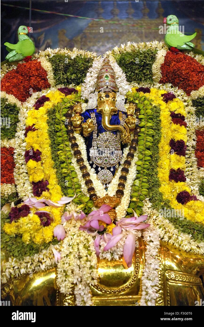 Gold Ganesha Stock Photos Gold Ganesha Stock Images Alamy