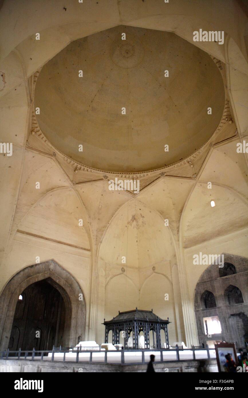 Gol Gumbaz ; built in 1659 ; mausoleum of Muhammad Adil Shah II family caskets standn raised platfor; Bijapur Karnataka - Stock Image