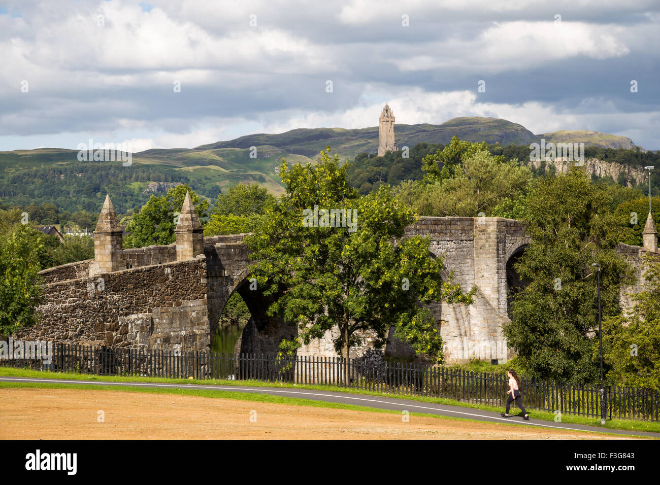 Stirling Old Bridge and The National Wallace Monument on Abbey Craig, Stirling in Scotland Stock Photo