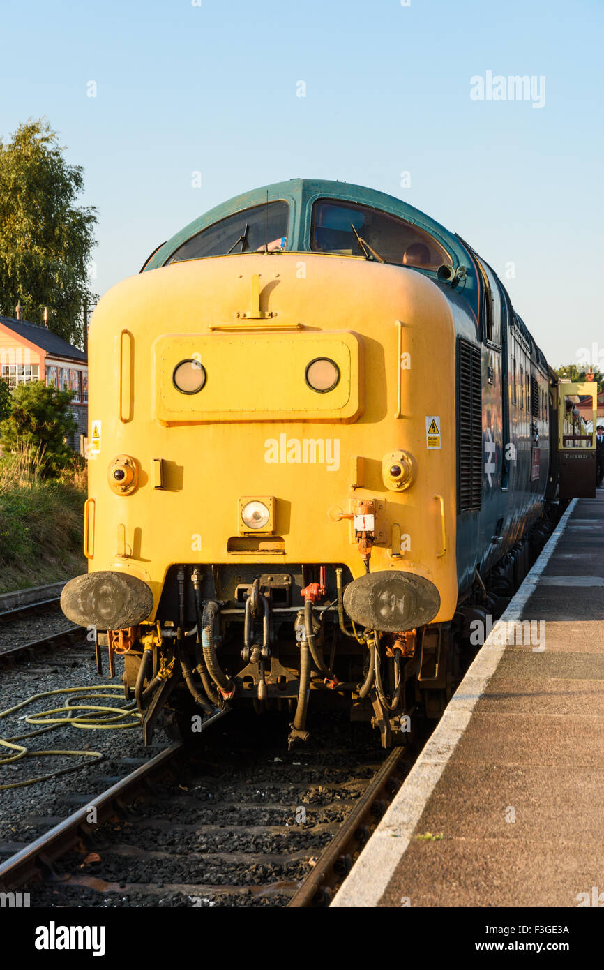 Class 55 Deltic 55019 waiting to leave Kidderminster station on the Severn Valley Railway Stock Photo